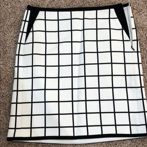 White House black marker skirt